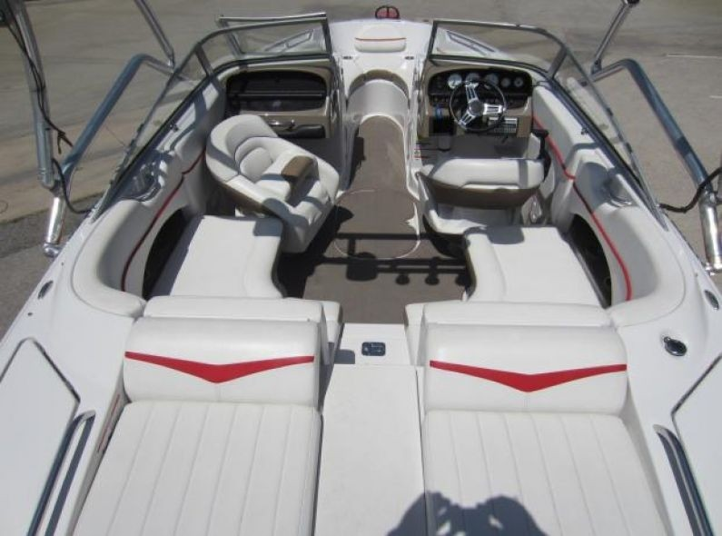 Four Winns 220 Horizon For Rent In Kelowna Easy Boat Rentals